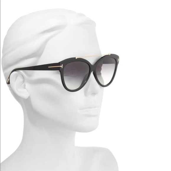 98a1b79c716a Brand new Tom Ford sunglasses